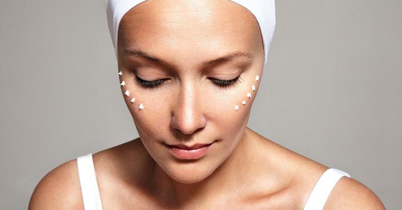 facial-treatmint-eye-cream-closeup-image