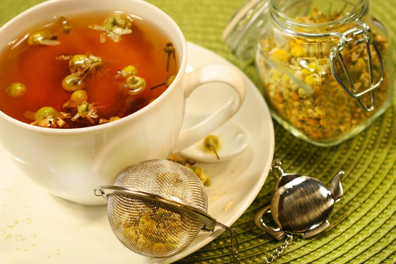 chamomile-tea-with-white-tea-cup