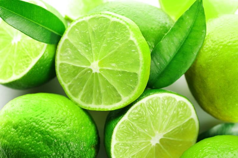 sliced-fresh-limes-closeup