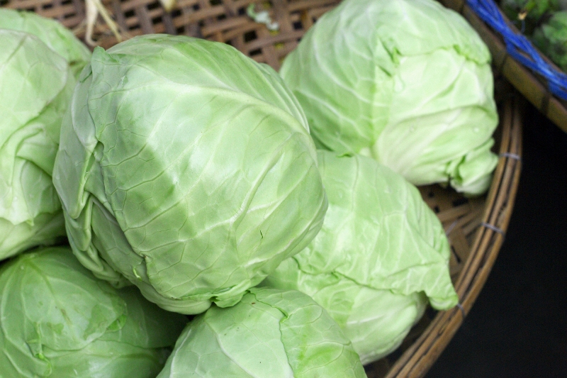 fresh-cabbage-in-the-market